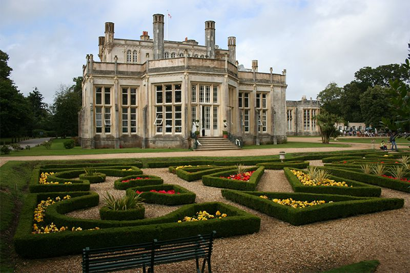 Highcliffe-Castle